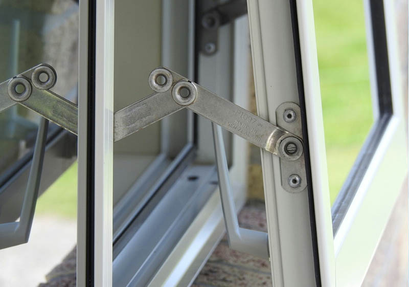 window security stays